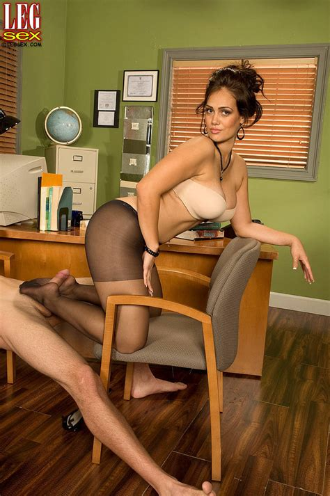 Yazmina Melendez Gets Pounded Wearing Pantyhose 1 Of 1