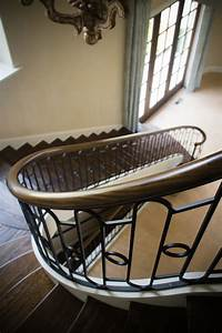 Custom Tool And Design Curved Stairs Curved Staircase Artistic Stairs