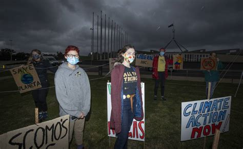 Canberra students take climate strike protest to ...