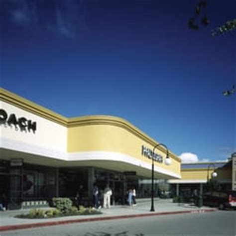 Kitchen Outlet Gilroy Ca by Gilroy Premium Outlets 86 Photos Outlet Stores