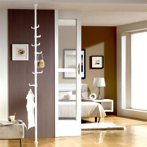 Floor To Ceiling Tension Rod Closet by Kleiderablage Im Schlafzimmer 18 Alternativen Zum