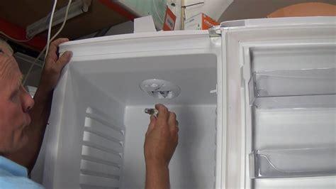 How to replace a Bush fridge freezer light bulb can be