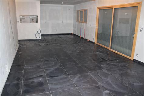 carrelage cuisine noir carrelage cuisine noir brillant maison design bahbe com