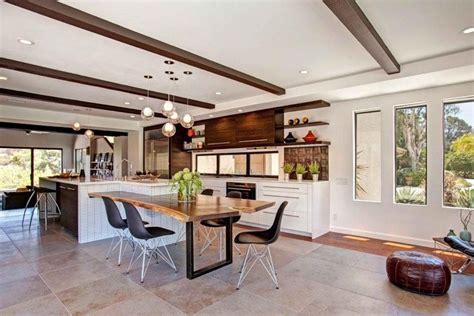 modele cuisine contemporaine modèle de cuisine contemporaine blanche et bois pour