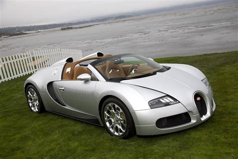 The front section is dominated by larger and completely redesigned air vents. Bugatti Veyron 16.4 Grand Sport Pricing Announced | Top Speed