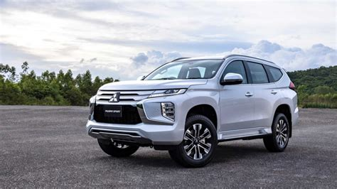 Due to the name pajero roughly translating to wanker in spanish. Mitsubishi geeft Pajero Sport facelift, nog steeds geen ...