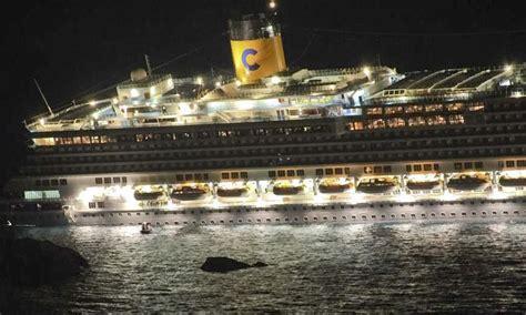 Cruise Ship Sinking Now by Piceno Oggi 187 Naufragio Concordia Tra Gli Scati Una