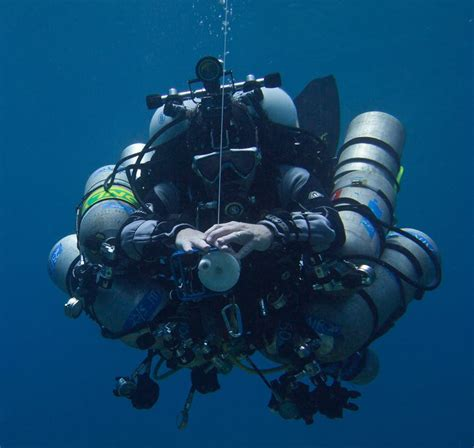 technical diving overcoming  limits  recreational diving
