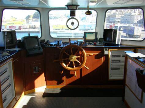 Cabina Di Comando Nave Nave Oceanografica Dallaporta Consiglio Nazionale Delle