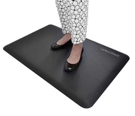 standing desk floor mat ergotron workfit floor mat review standing mats