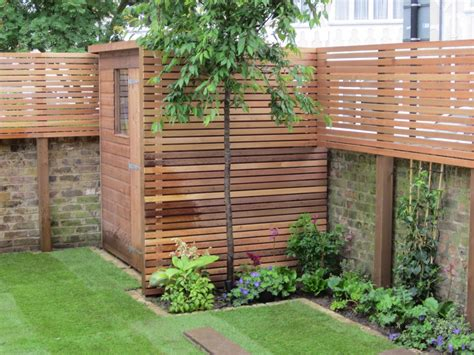 landscaping screens great concept the added height on the walls for privacy and the use of the same material for a