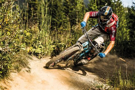17 Tips On How to Ride a Mountain Bike for Beginners