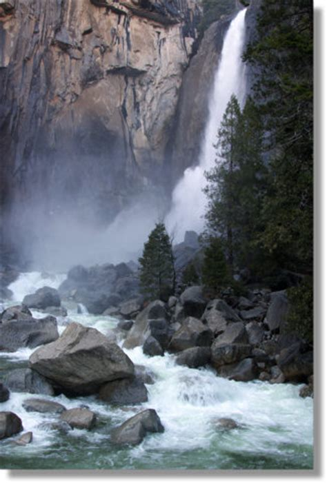 lower yosemite falls hikes