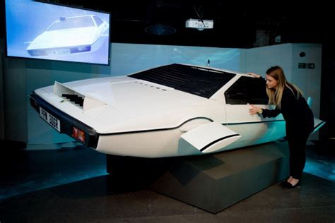 lotus esprit agente  james bond  vendita su ebay