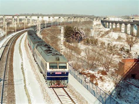 Trans Siberian Rail Journey, Winter In Russia. Helping