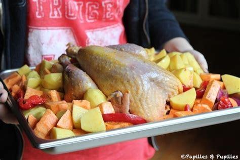 cuisiner la pintade pintade au four et pommes de terre rôties