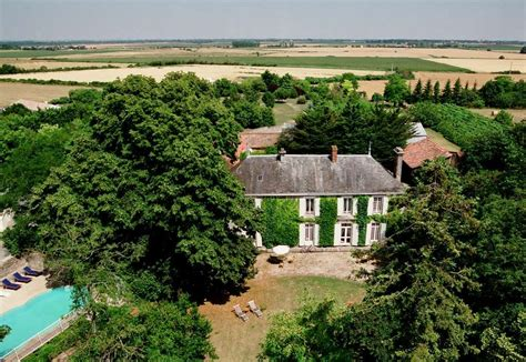 chambre hotes ile de ré chambres d 39 hôtes le château de l 39 abbaye moreilles accueil vendée