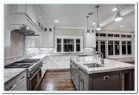 backsplash with white cabinets white cabinets with granite countertops home and