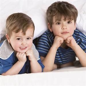 Deux Enfants Dans Une Mme Chambre Chacun Son Ambiance