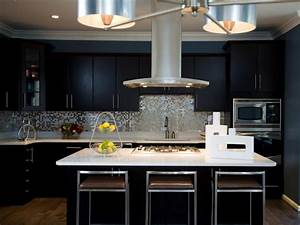 24 black kitchen cabinet designs decorating ideas for Modern kitchen cabinets black