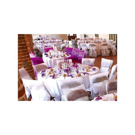housses de chaises jetables housses de chaise intissé blanc avec noeuds deco chaises