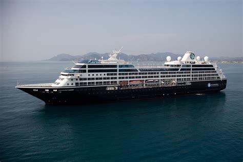 Top 10 Cruise Ships - Cruises.com