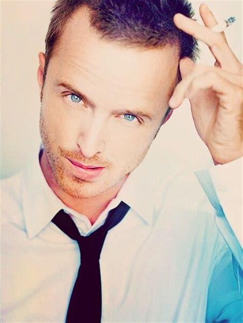 aaron paul eyes aaron paul gorgeous blue eyes boys boys boys pinterest