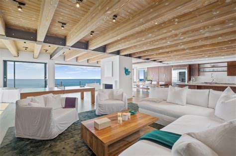 Matthew perry was born in williamstown, massachusetts, to suzanne marie (langford), a canadian journalist, and john bennett perry, an american actor. Matthew Perry puts Malibu mansion on the market for $15M