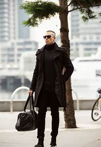 Picture Of all black winter outfit