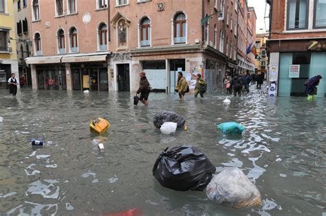 Venice Suffers Its Fourth Worst Flood Since 1872 Category 6