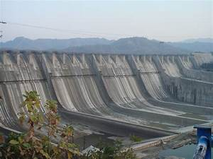 File:Sardar Sarovar Dam 2006, India.jpg - Wikipedia