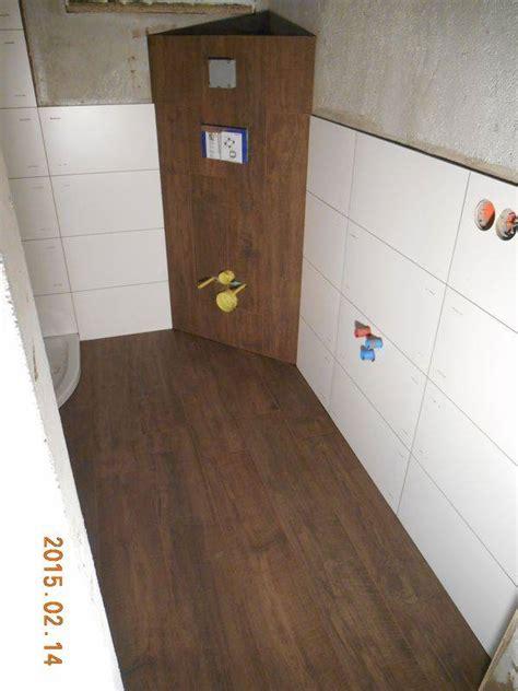 Fliesenhohe Bad by Fliesenh 246 He Bad Fliesenleger O 214 Tips Bauforum Auf