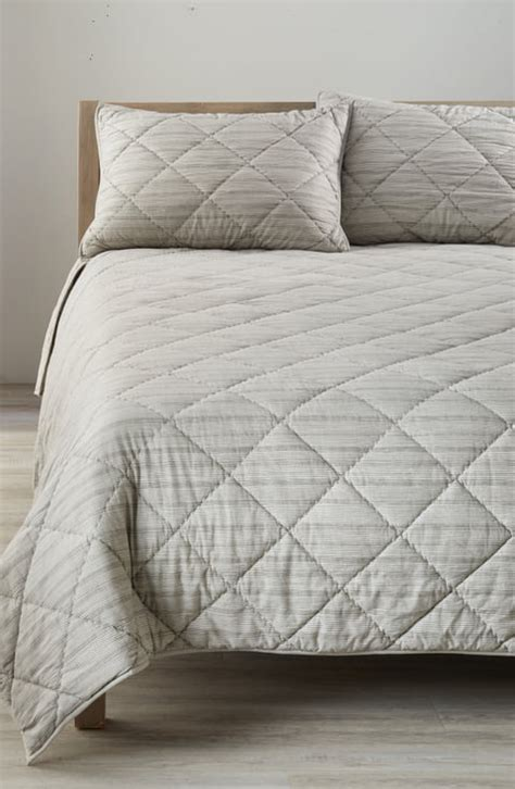 Nordstrom Bedspreads And Coverlets by Nordstrom At Home Quilts Duvets Coverlets Nordstrom