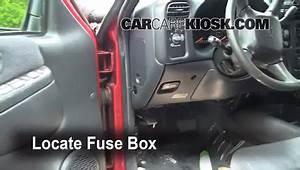 Fuse Box For 1999 Chevy S10 Blazer : interior fuse box location 1998 2005 chevrolet blazer ~ A.2002-acura-tl-radio.info Haus und Dekorationen