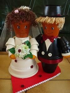 Creation Avec Des Pots De Fleurs : cr ation couple de mari s en bonhomme en pot cr ation ~ Melissatoandfro.com Idées de Décoration