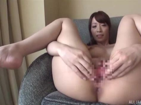 Jp Milfs Beautiful Japanese Brunette Milf Spreads Her