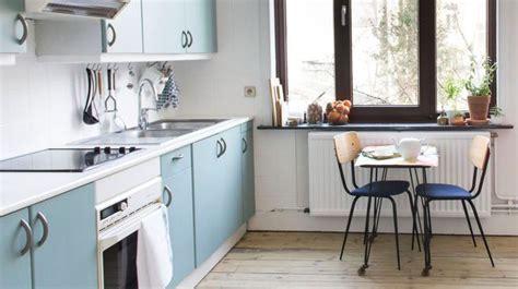 relooker une cuisine ancienne refaire une cuisine ancienne relooker la cuisine meubles côté maison