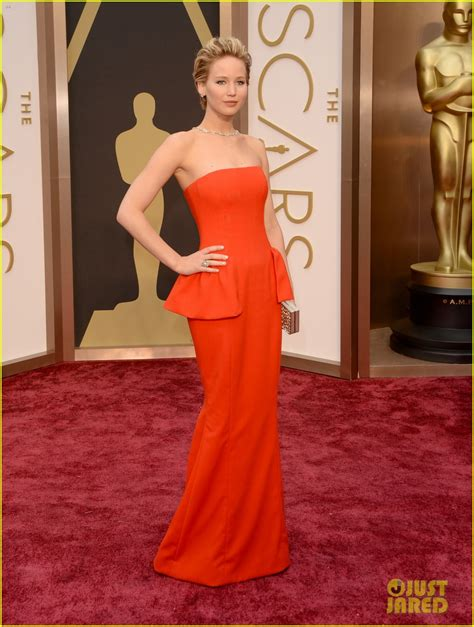 Jennifer Lawrence In Dior Couture 2014 Oscars