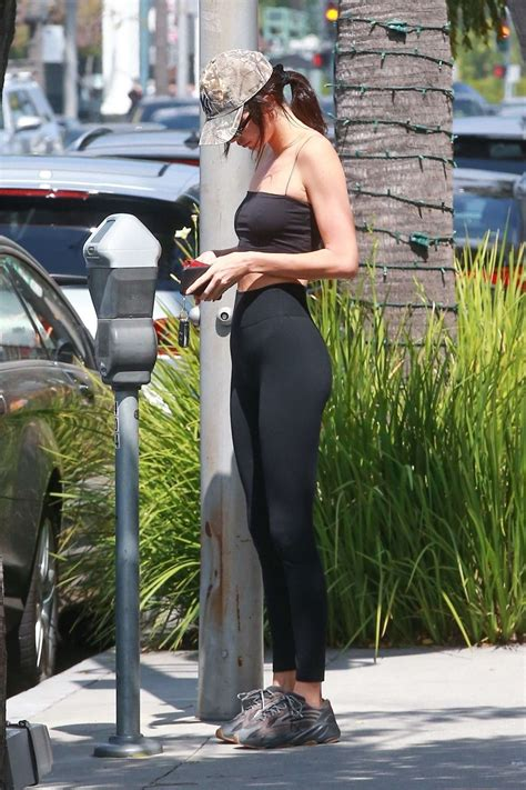 kendall jenner  tights   lunch   cheesecake