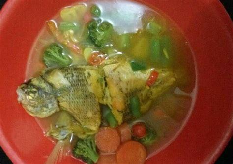 Ada banyak masakan ikan bumbu kuning yang menggoda selera untuk disantap. Resep Ikan ekor kuning berenang kuah asam oleh Lucy Abqary - Cookpad
