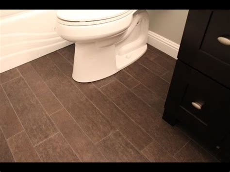 kitchen cabinets and flooring combinations kitchen cabinets and hardwood floors combinations 7993
