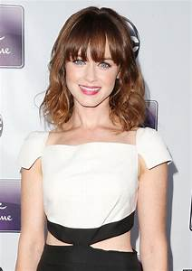 Alexis Bledel's Engagement Ring Revealed! (PHOTO) | HuffPost  Alexis