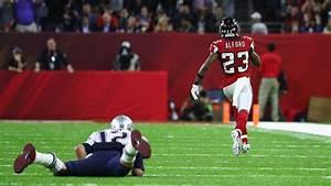 Super Bowl 51 Tom Brady Pick Six Gives Falcons 21 0 Lead