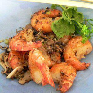 cuisiner des crevettes cuites les 25 meilleures idées de la catégorie crevettes sautées