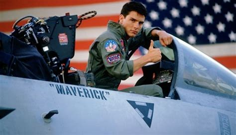 top gun maverick   tom cruise fly aircraft