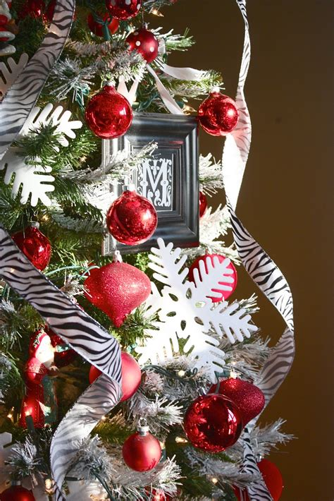 yellow cape  holiday home series tips decorate