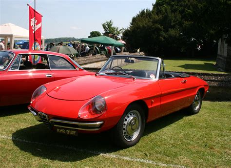 1968 Alfa Romeo Spider Photos, Informations, Articles