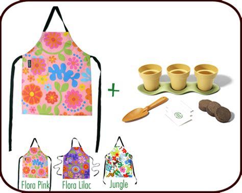 green toys recycled bpa free plastic organic gardening kit