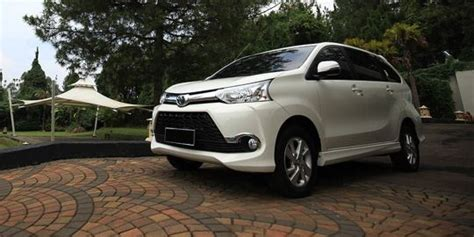 Toyota Avanza Veloz Backgrounds by Toyota Avanza Veloz Price Spec Images Reviews