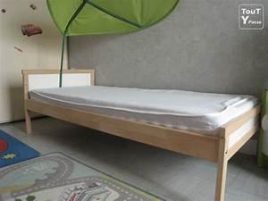 Lit enfant ikea 70x160 cm avec matelas et 2 draps housse for Chambre à coucher adulte avec prix matelas pour lit medicalise
